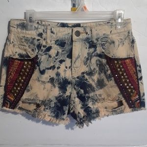 Urban outfitters  embellished  short sz 26